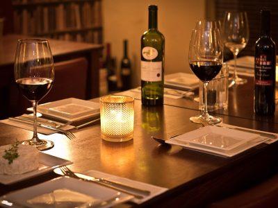 Bijzondere wijnen bij u thuisbezorgd